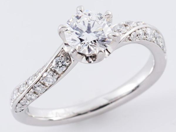 4℃(4ドシー)Pt995 ダイヤモンドリング
